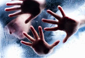 Silhouettes of person behind wet glass. Freeze to death — Stock Photo