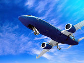 Flygplan landar, isolerad på vit — Stockfoto