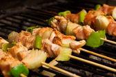 Churrasco de frango carne e legumes — Foto Stock