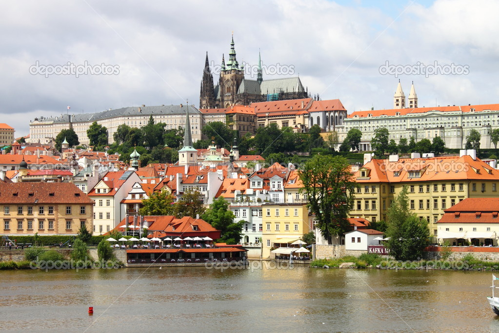 Landscape view of Prague Castle, Czech Republic — Stock Photo #6503956