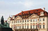 Kinsky Palace and Jan Hus Monument — Stock Photo