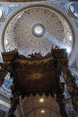 Saint Peter's baldachin - Vatican City - Rome — Stock Photo