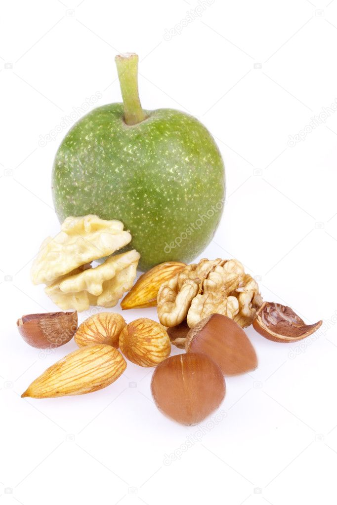Walnuts, hazelnuts and almonds isolated on a white background — Stock Photo #6631898