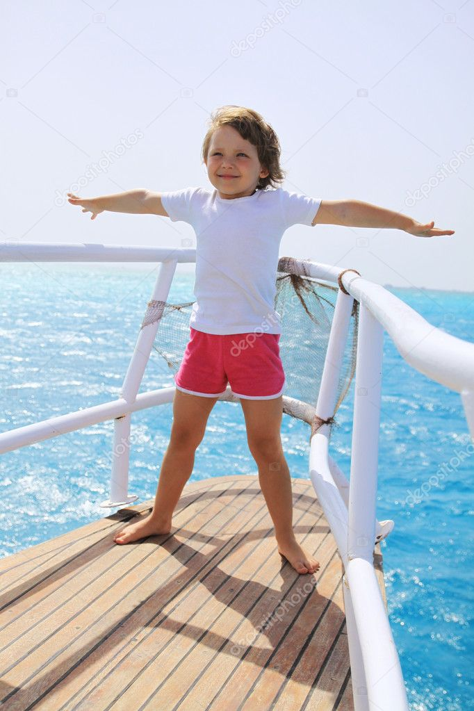 The girl on the boat — Stock Photo #6300510