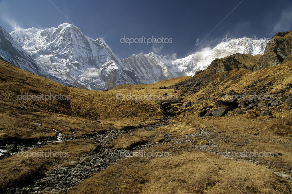 Dry land before Anapurna base camp in Nepal — Stock Photo #6377138