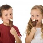 Kids eating icecream — Stock Photo