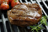 Beef fillet on the grill — Stok fotoğraf