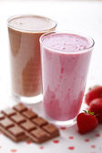 Chocolate and strawberry milkshake — Stock Photo