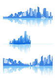 Panorama of city with reflection. Vector art. — Stock Vector