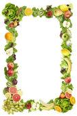 Rám vyrobený z ovoce a zeleniny na bílém pozadí — Stock fotografie