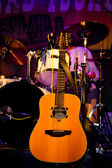 Acoustic guitar and drums — Stock Photo