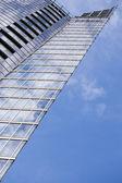 Sky scraper am blauen himmel — Stockfoto
