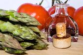 Cibo e bottiglia sughero — Foto Stock