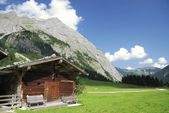 Tirolean hut — Stockfoto