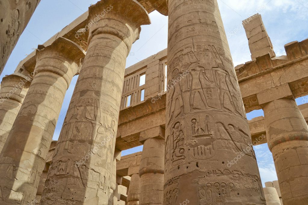 Columns in the great hypostyle hall at Karnak Temple in Luxor — Stock Photo #6468292