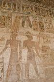 Pinturas jeroglíficas en el templo de medinat habu — Foto de Stock