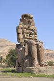 Pomnik kolosy memnona — Zdjęcie stockowe