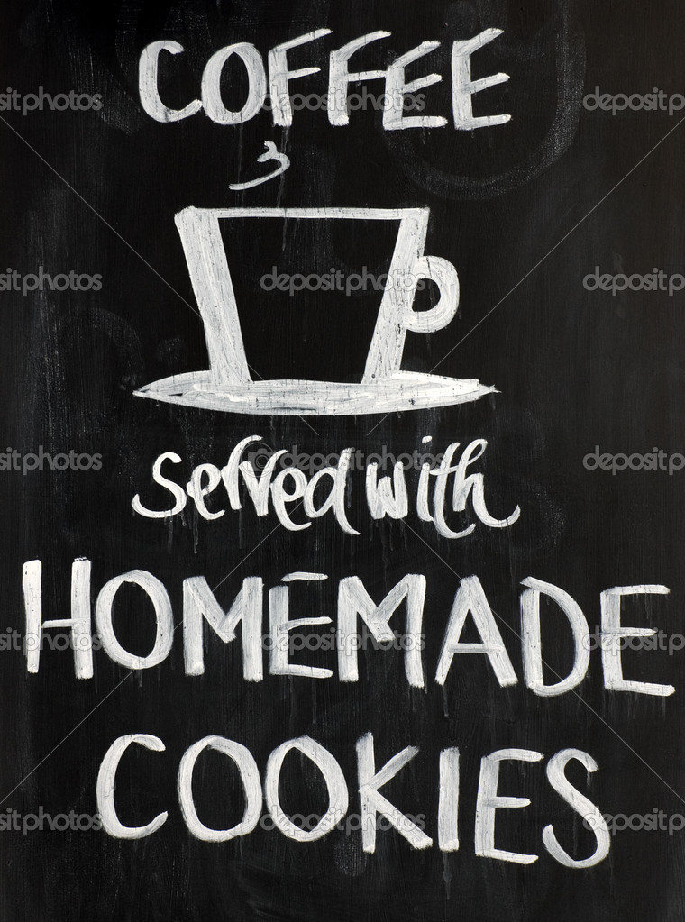 Blackboard sign with a cup motif and the words - Coffee served with homemade cookies. White on a black background — Stock Photo #6434764