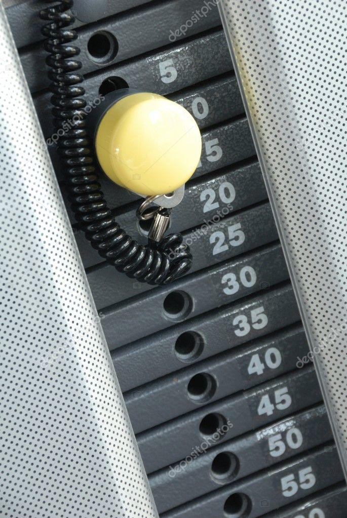 Se centran en peso m quina de gimnasio cantidad de peso - Fotos de maquinas de gimnasio ...