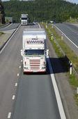 Ciężarówki na cała naprzód — Zdjęcie stockowe
