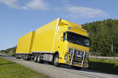 Truck on the move — Stock Photo