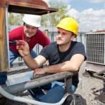 Apprentice Air Conditioning Repairman — Stock Photo