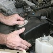 Mechanic Hands On Filter Cover - Stockfoto
