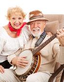 シニアのカントリー ミュージックのカップル — ストック写真