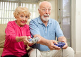 Senior Couple Play Video Games — Stock Photo