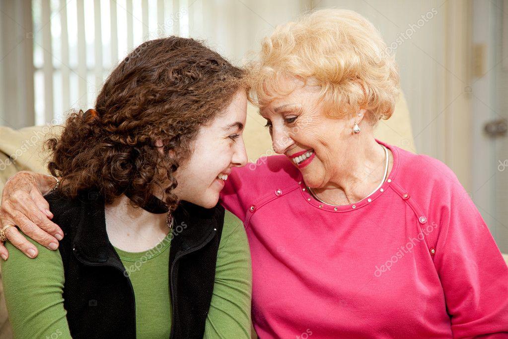 старые женщины и юноши