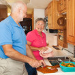 Senior RV - Helping in the Kitchen — Stock Photo