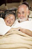 Slaperig senioren — Stockfoto
