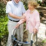 couple de personnes âgées ensemble — Photo