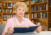 Senior Lady Reading — Stock Photo