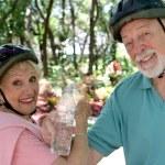 Постер, плакат: Senior Couple Refreshment