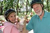 Rinfresco coppia Senior — Foto Stock