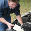 Replacing Auto Air Filter — Stock Photo