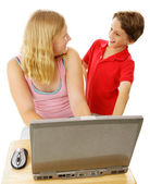 Siblings Using Computer — Stock Photo