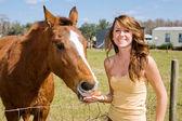 Teen Girl & Her Horse — Foto Stock