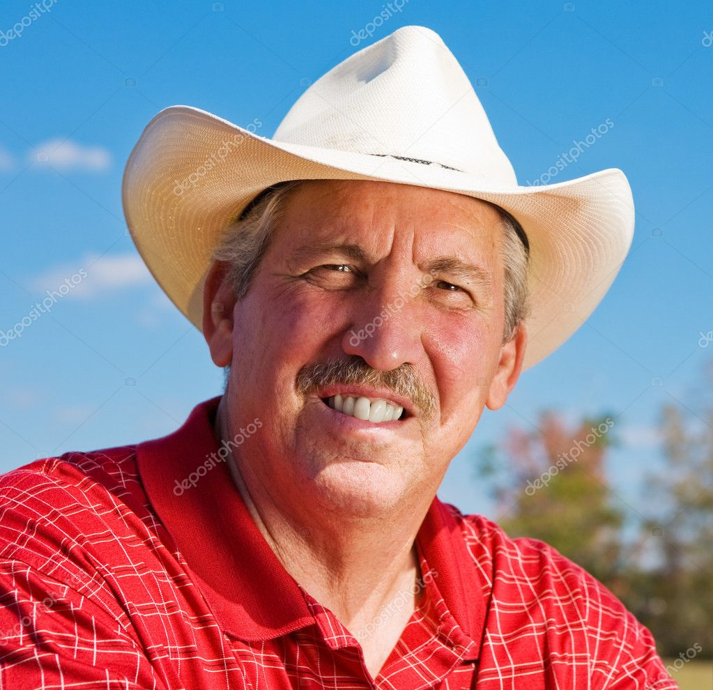 Portrait of a handsome, mature cowboy outdoors.   — Stock Photo #6652363