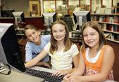 在教室中的计算机 — 图库照片