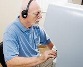 Senior Man Votes — Stock Photo