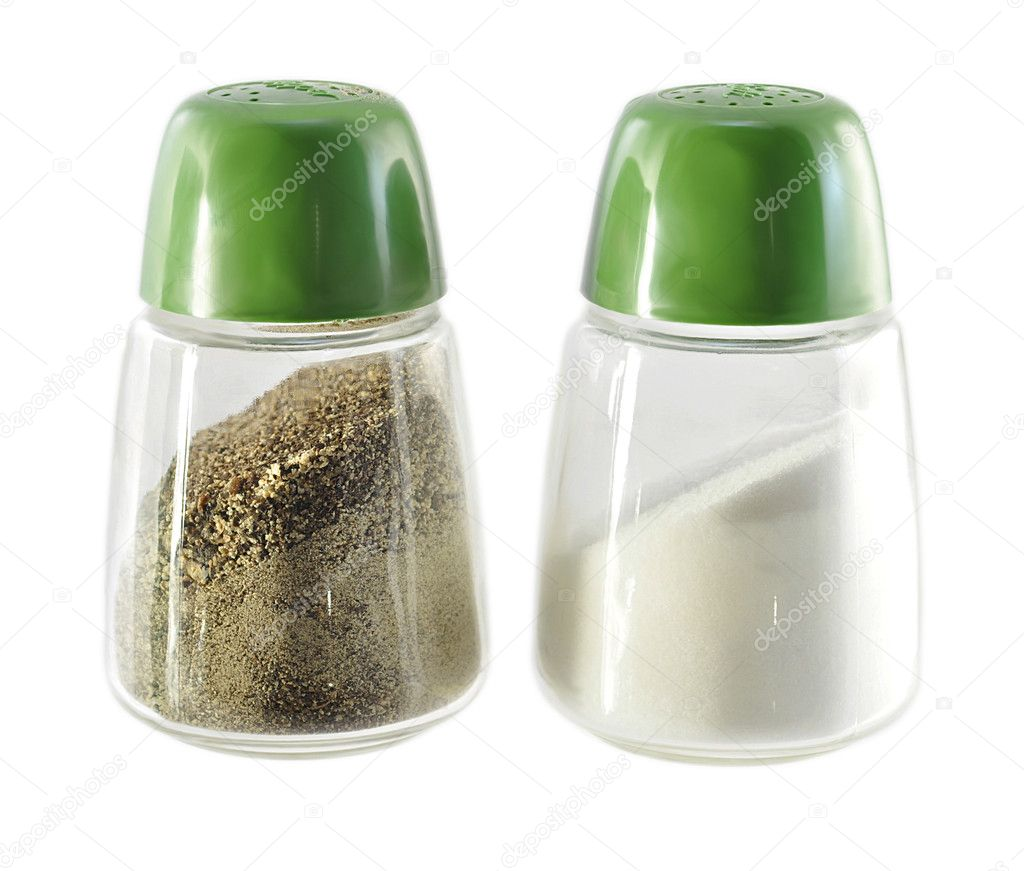 Salt and pepper shakers  on white background — Stock Photo #6662856