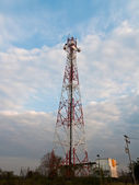 Mobile phone communication repeater antenna tower — Stock Photo