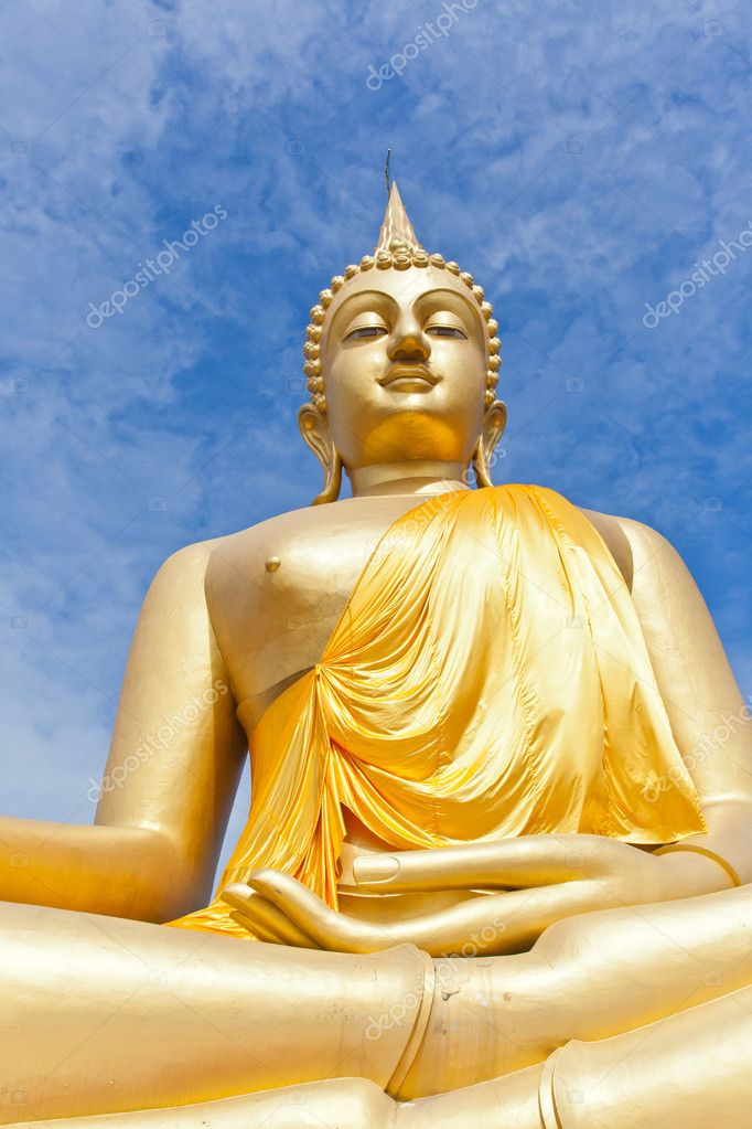 Big Golden Buddha statue in Thaland temple — Stock Photo #6658819