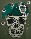 Retro skull and beret military motif — Stock Vector