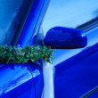 Blue Wedding Car Mirror With Band — Stock Photo