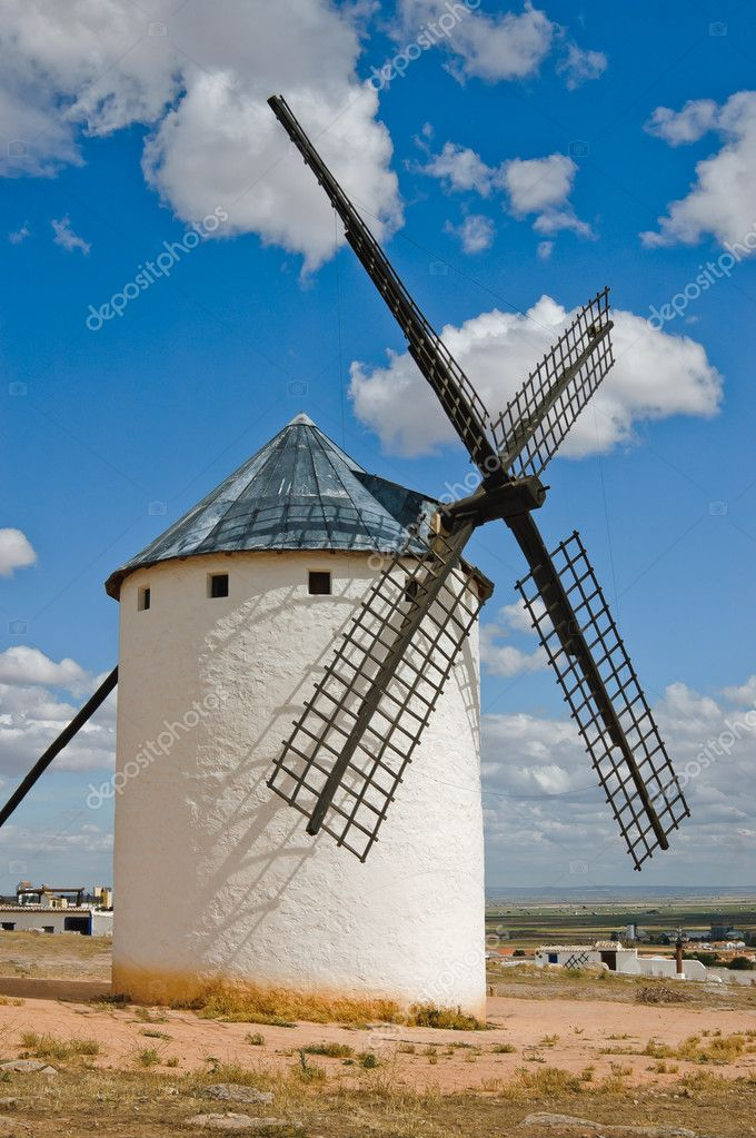 Medieval windmills dating from the 16th century on the hill of Campo de Criptana in Castilla La Mancha, Spain. — Stock Photo #6453058