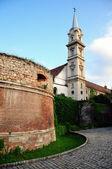 église de sopron et vieux murs historiques — Photo