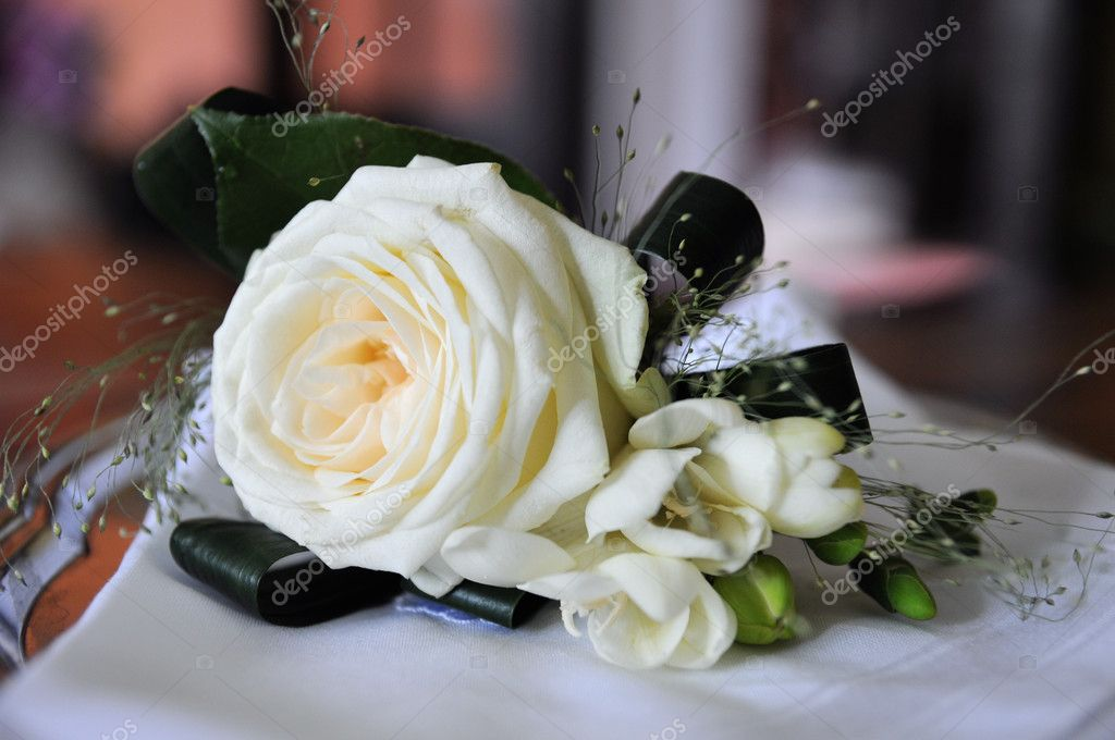 Wedding feather roses for the bridegroom — Stock Photo #6686109